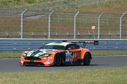 #007 Craft Racing Aston Martin Vantage GT3: Frank Yu, Richard Lyons