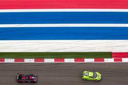 #57 Krohn Racing Ferrari 458 Italia: Tracy Krohn, Nic Jonsson, Maurizio Mediani, #35 OAK Racing Morg
