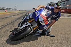 Jorge Lorenzo, Yamaha Factory Racing y la demostración de ángulo de inclinación