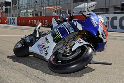 La demostración de ángulo de inclinación de Yamaha Factory Racing
