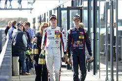 Racewinnaar Daniil Kvyat, 3e plaats Alex Lynn