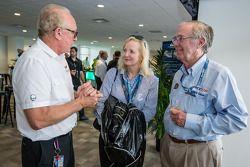 Pilotos americanos no evento Le Mans: Presidente da Corvette Racing, Doug Fehan e ACCUS Nick Craw