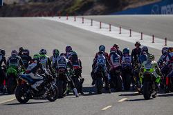 Superbike qualifying ready to resume