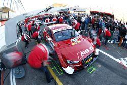 Les équipes Audi s'entraînent aux arrêts au stand