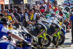 Sportbikes ready for Saturday qualifying