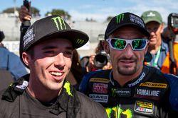 Josh Hayes si congratula con Josh Herrin per la vittoria del titolo superbike 2013