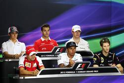 FIA basın toplantısı: Esteban Gutierrez, Sauber; Jules Bianchi, Marussia F1 Team; Paul di Resta, Sah