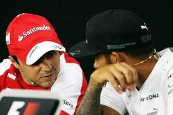 Felipe Massa, Ferrari y Lewis Hamilton, Mercedes AMG F1 en la conferencia de prensa