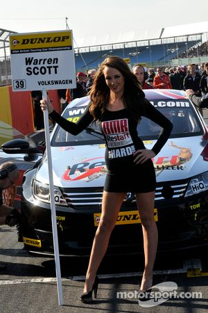 Team BMR Relargada Grid Girl