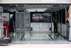 Red Bull Racing pit garajı for Sebastian Vettel, Red Bull Racing