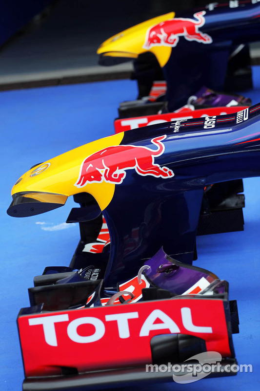 Red Bull Racing RB9s de Sebastian Vettel, Red Bull Racing RB9 e Mark Webber, Red Bull Racing RB9 no