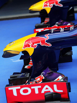 Red Bull Racing RB9s, Sebastian Vettel, Red Bull Racing RB9 ve Mark Webber, Red Bull Racing RB9 kapa