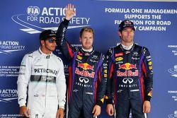 Ganador de la pole Sebastian Vettel, Red Bull Racing, segundo Lewis Hamilton, Mercedes AMG F1 W04, t