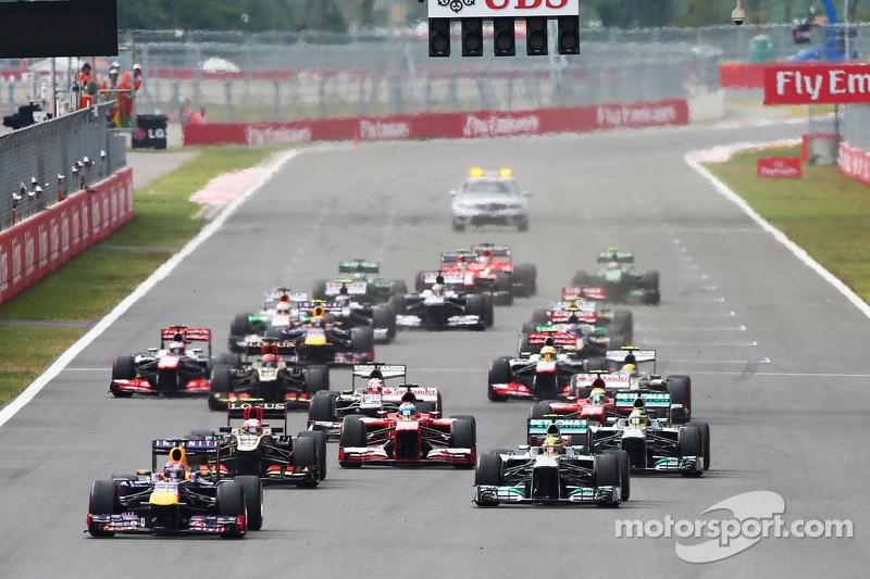 На дворе была осень 2013 года. Формула 1 ездила в страны вроде Кореи и Индии, Себастьян Феттель шел к четвертому подряд титулу с Red Bull, а старые-добрые атмосферники V8 доживали последние деньки, радуя сердца фанатов своим громовым рёвом