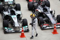 Lewis Hamilton, Mercedes AMG F1 W04 en parc ferme