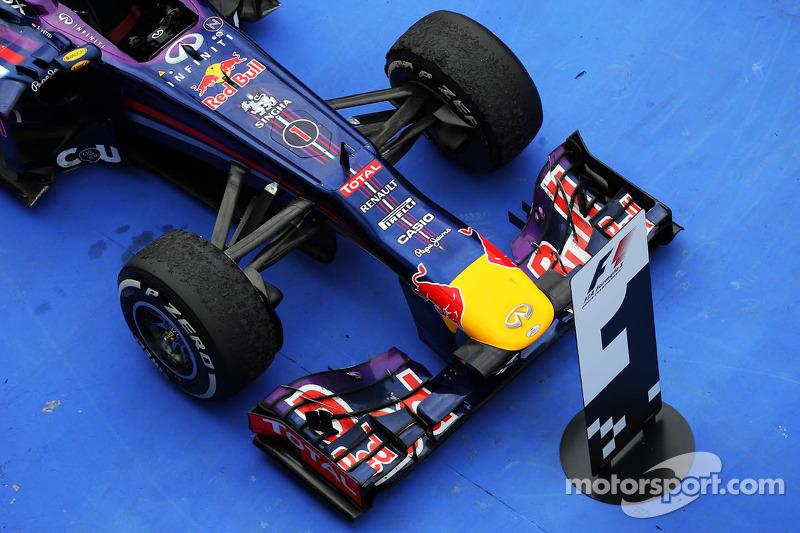 Red Bull Racing RB9, Yarış galibi Sebastian Vettel, Red Bull Racing kapalı park
