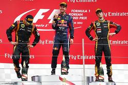 Podium: Sieger Sebastian Vettel, 2 Kimi Räikkönen, 3. Romain Grosjean
