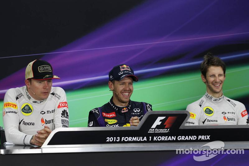 Yarış sonrası FIA basın toplantısı: Kimi Raikkonen, Lotus F1 Team, 2.; Sebastian Vettel, Red Bull Ra