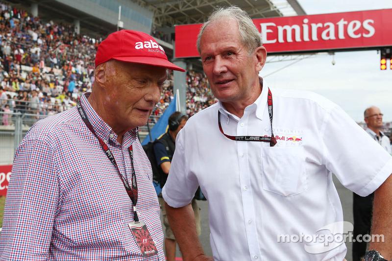(L naar R): Niki Lauda, Mercedes Non-Executive Chairman met Dr Helmut Marko, Red Bull Motorsport Consultant op de grid