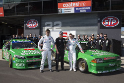Chaz Mostert, Dale Wood en Dick Johnson onthullen de retro livery
