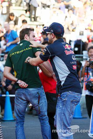 Sebastian Vettel, Red Bull Racing ve Giedo van der Garde, Caterham F1 Team