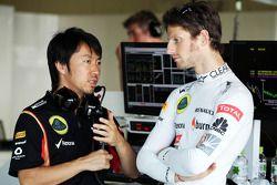 Romain Grosjean, Lotus F1 Team ve Ayao Komatsu, Lotus F1 Team yarış mühendisi