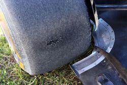 Worn Pirelli lastiği, Lotus F1 E21, Kimi Raikkonen, Lotus F1 Team, who spun 2. practice session