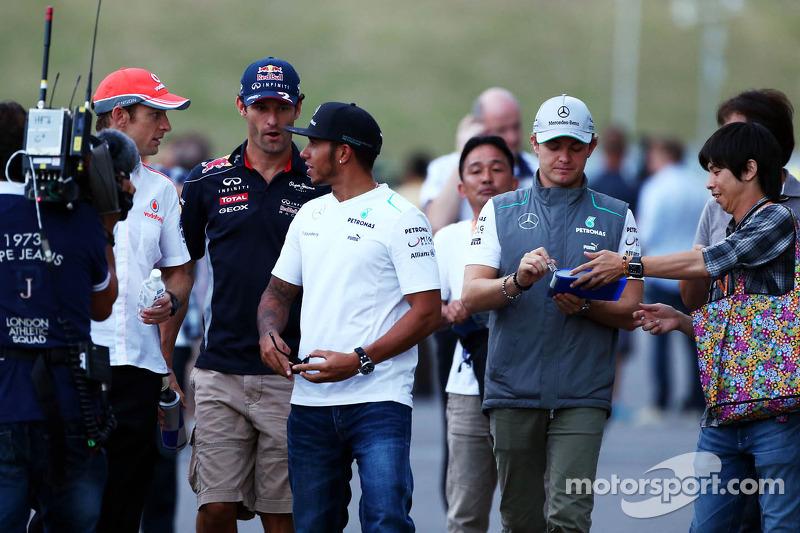 (L naar R): Jenson Button, McLaren met Mark Webber, Red Bull Racing, Lewis Hamilton, Mercedes AMG F1, en Nico Rosberg, Mercedes AMG F1