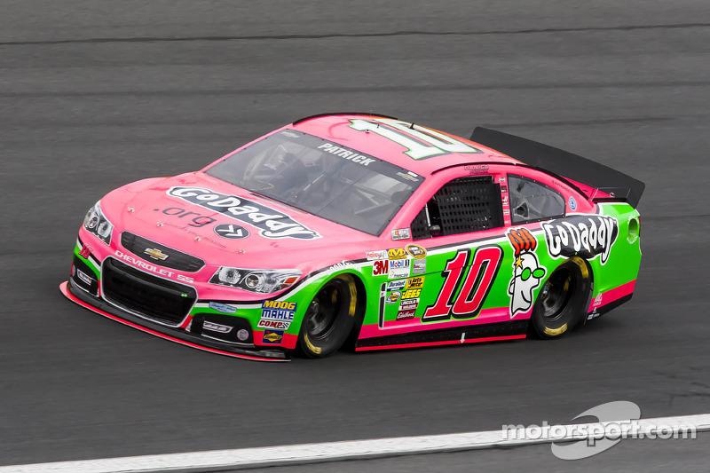 ...y Danica Patrick en Charlotte en 2011, todos en la NASCAR Cup.