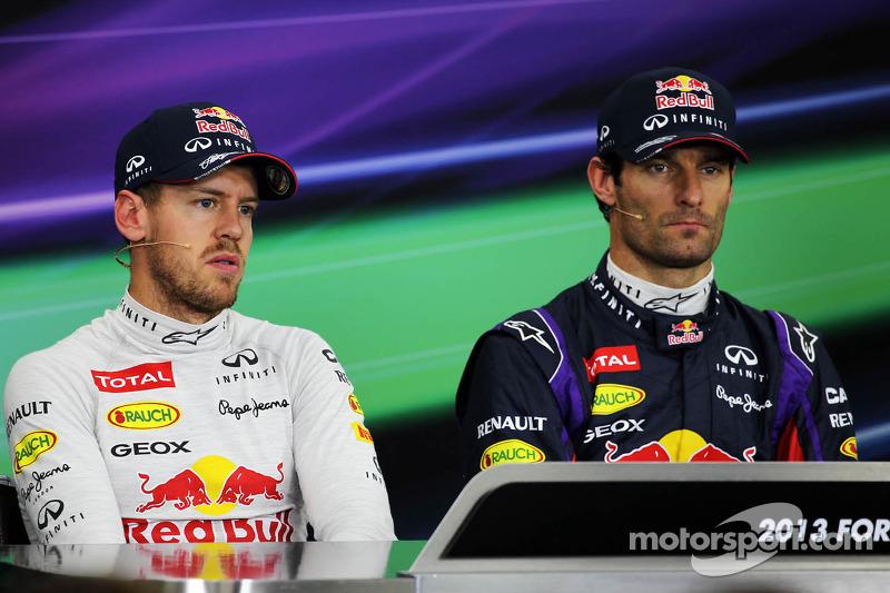 (L naar R): Sebastian Vettel, Red Bull Racing met teamgenoot Mark Webber, Red Bull Racing bij de FIA
