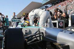 Lewis Hamilton, Mercedes AMG F1 W04 gridde
