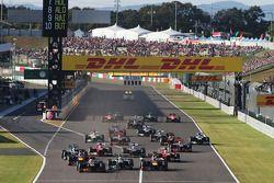 Partenza: Romain Grosjean, Lotus F1 E21 in testa