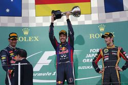 Podyum: Mark Webber, Red Bull Racing, 2.; Sebastian Vettel, Red Bull Racing, Yarış galibi; Romain Gr