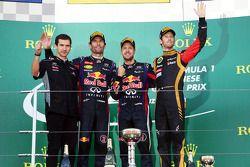 Mark Webber, Red Bull Racing, 2.; Sebastian Vettel, Red Bull Racing, Yarış galibi; Romain Grosjean,