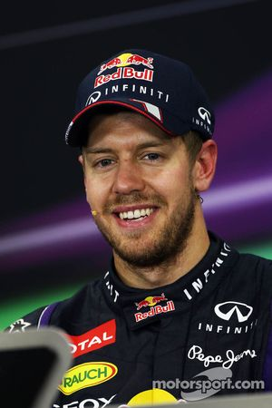 Yarış galibi Sebastian Vettel, Red Bull Racing FIA basın toplantısı
