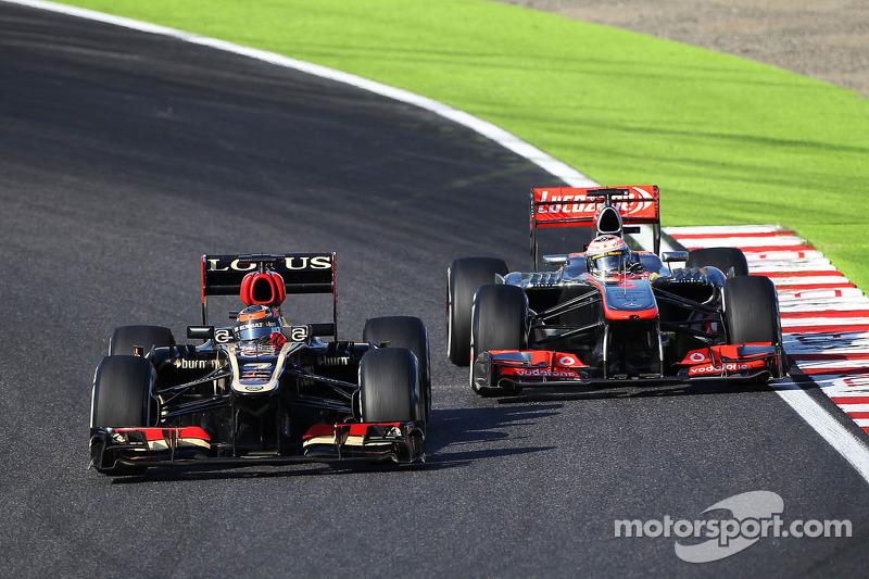 При этом со спортивными результатами у Райкконена был полный порядок. Он начал сезон с победы в Австралии, в последующих гонках еще пять раз приезжал вторым, и к экватору чемпионата уступал в таблице общего зачета одному лишь Феттелю опережая гонщиков Ferrari и McLaren
