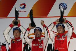 GTE podium: Akira Iida, Naoki Yokomizo, Shogo Mitsuyama