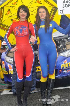 Une ambassadrice Pirtek Racing
