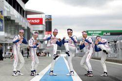 Toyota rijders Anthony Davidson, Stéphane Sarrazin, Sebastien Buemi, Alexander Wurz, Nicolas Lapierr