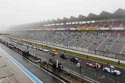 La course est interrompue à cause de la pluie
