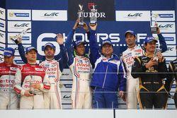 pódio: vencedores Alexander Wurz, Nicolas Lapierre, Kazuki Nakajima, segundo colocado Tom Kristensen