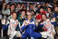 Racewinnaars Alexander Wurz, Nicolas Lapierre, Kazuki Nakajima