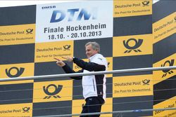 Jens Marquardt, BMW Motorsport Director, on podium to receive the trophy for best manufacturer
