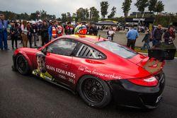 #30 NGT Motorsport Porsche 911 GT3 Cup com pintura em memória a Sean Edwards