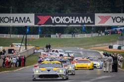 #93 SRT Motorsports SRT Viper GTS-R: Jonathan Bomarito, Kuno Wittmer, Tommy Kendall heads to formation lap