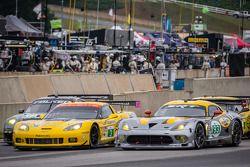 Largada: #17 Team Falken Pneu Porsche 911 GT3 RSR: Bryan Sellers, Wolf Henzler, Nick Tandy, #3 Corve