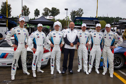 BMW Team RLL photoshoot: Dirk Müller, John Edwards, Bill Auberlen, Maxime Martin, Jörg Mu_ller, Uwe Alzen with Bobby Rahal