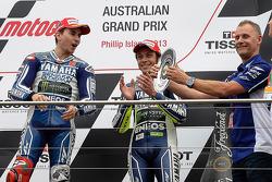 Podium: racewinnaar Jorge Lorenzo, 3e plaats Valentino Rossi