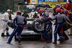 Pit stop #93 SRT Motorsports SRT Viper GTS-R: Jonathan Bomarito, Kuno Wittmer, Tommy Kendall
