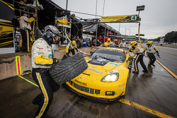 Pit stop for #4 Corvette Racing Chevrolet Corvette C6 ZR1: Oliver Gavin, Tom Milner, Richard Westbrook
